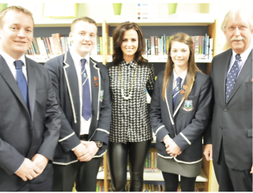 Welcoming our guest speaker, Lisa McHugh, at Prize Night in October 2015.