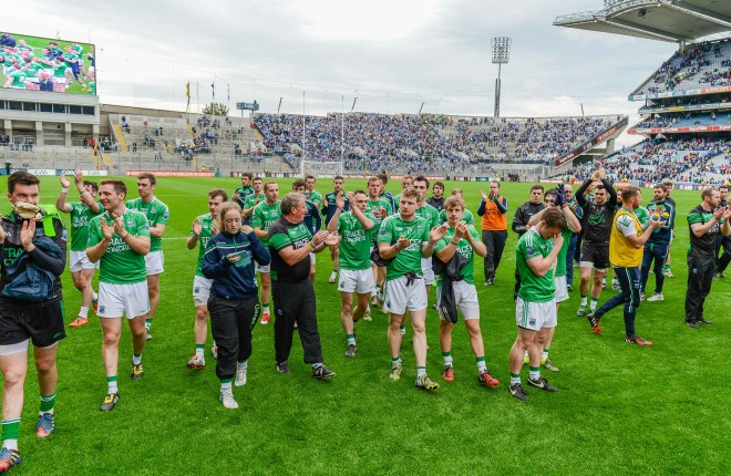 The Fermanagh team applaud their supporters    RMGFH31